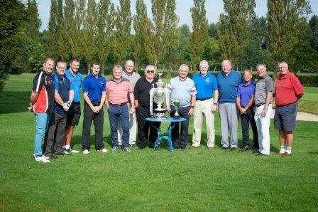 Rugby Stars Tee off to raise over £5,000
